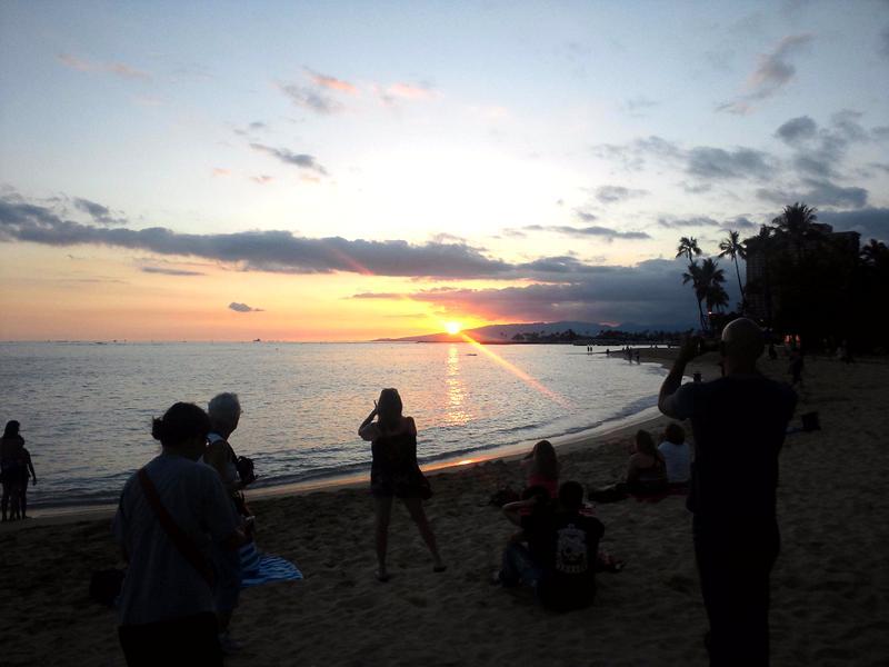 日が沈む瞬間