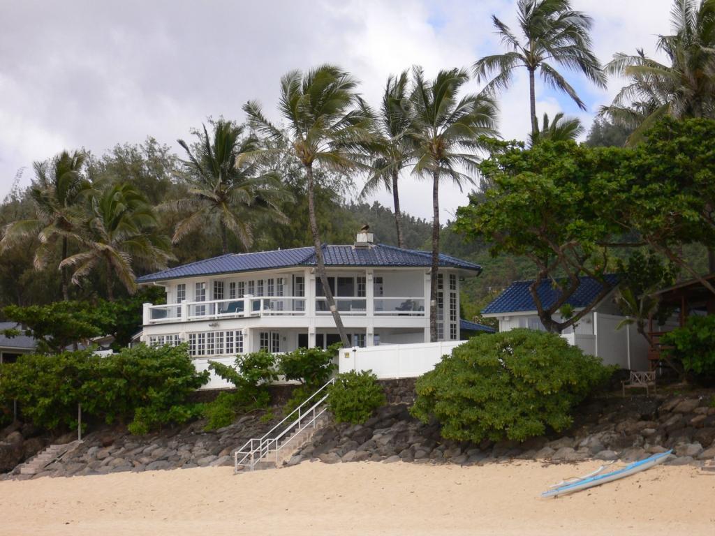 ビーチ沿いの家-1