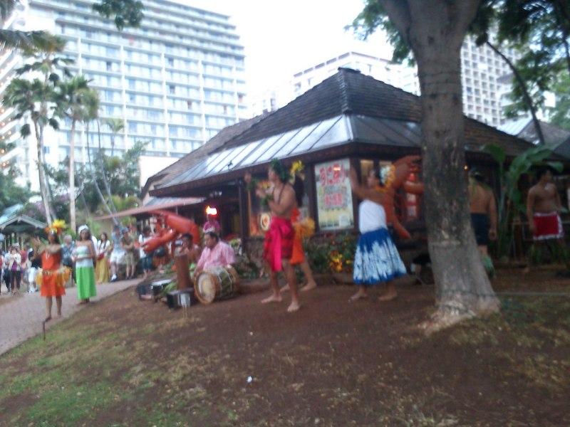 ポリネシアンダンスは男性の踊りが人気